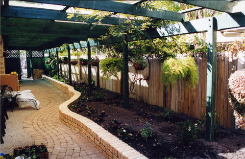 Inness Green Landscaping brick edging